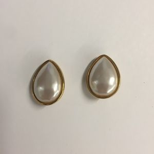 Estate Gold and White Pearl Teardrop Clip Earrings